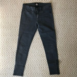 Skinny pants with zipper ankles